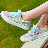Women's Low-Top Canvas Sneakers w/ Flower Print Casual Style
